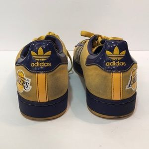RARE! Kobe Adidas Lakers shoes size 8.5